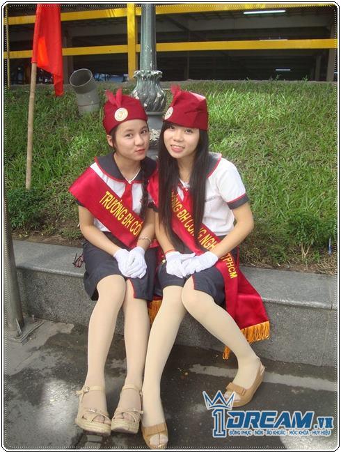 Đồng phục nữ sinh Đại học Công nghiệp TP Hồ Chí Minh cực Hot. Áo sơ mi đồng phục trường đại học THPT 3